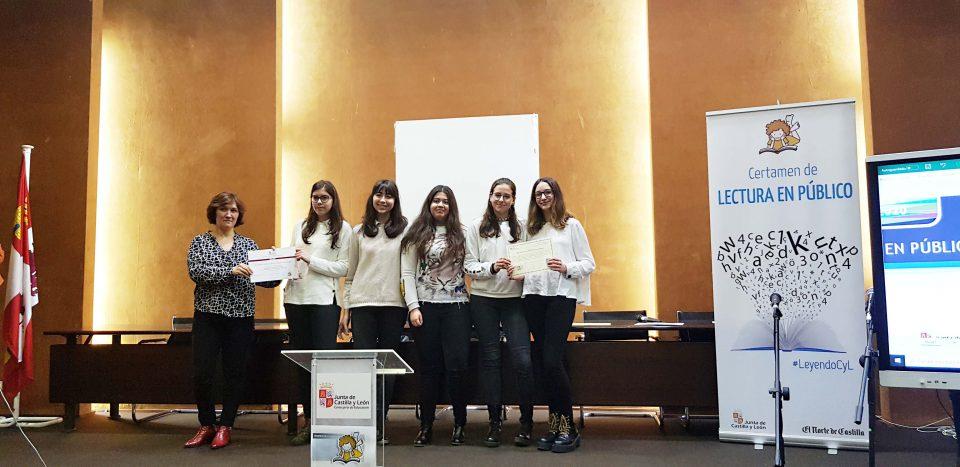 Alumnas del IES Campos y Torozos participan en un certamen de lectura en público