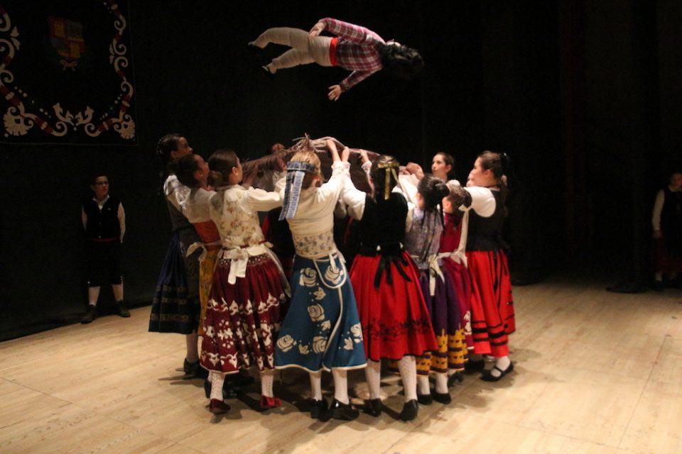 El Teatro Principal de Rioseco acoge este domingo el Festival Infantil de Danzas