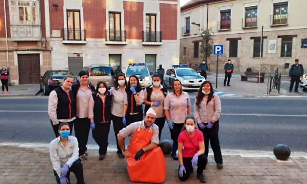 La Guardia Civil de Rioseco rinde homenaje a la plantilla de Supermercado Lupa