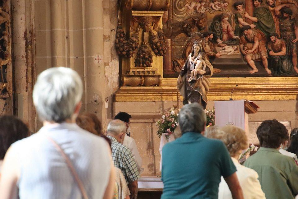 La iglesia de Santa María acoge la misa por la Virgen del Carmen en Rioseco