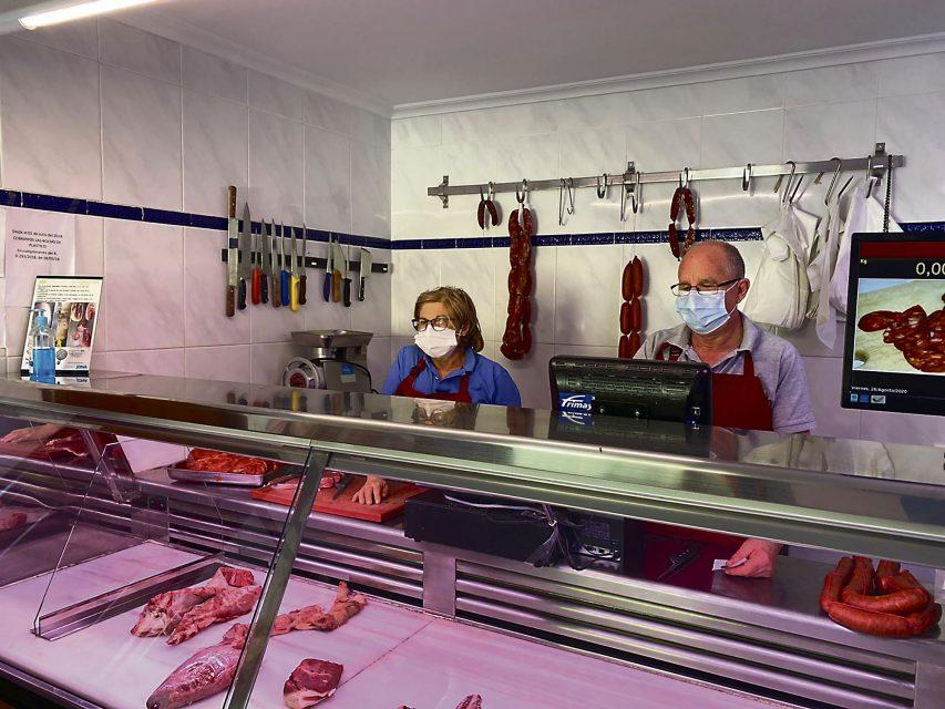 Echa el cierre por  jubilación la Carnicería Amando de Castro
