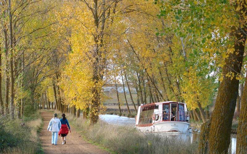 Las Cortes piden que el Canal de Castilla sea Paisaje Cultural