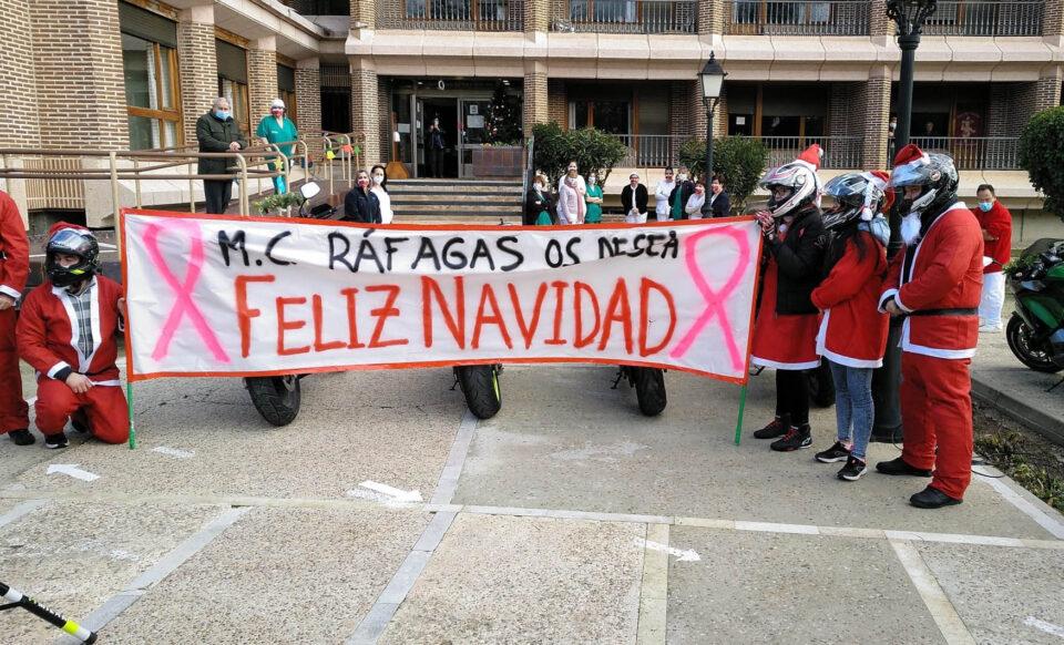 Los Papás Noeles de Ráfagas alegran la Navidad a las personas mayores de la Residencia Sancti Espíritus y Santa Ana