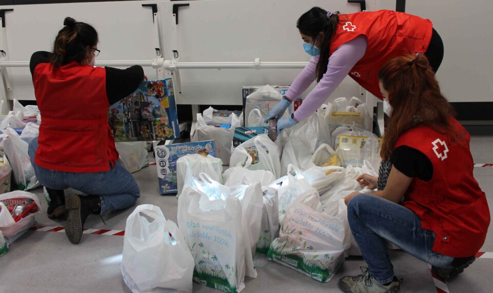 Cruz Roja Juventud entrega juguetes a más de 900 niños y niñas en la provincia vallisoletana