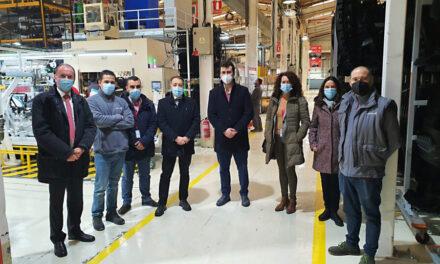 Los primeros alumnos de la FP Dual 'Conformado por moldeo de metales y polímeros' comienzan sus prácticas en Medina de Rioseco