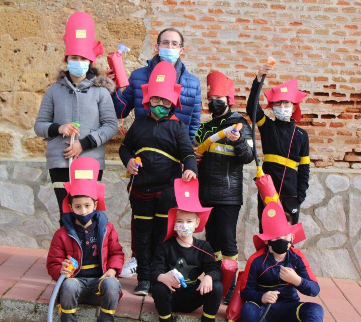 Los escolares de Villafrechós celebran un colorido carnaval