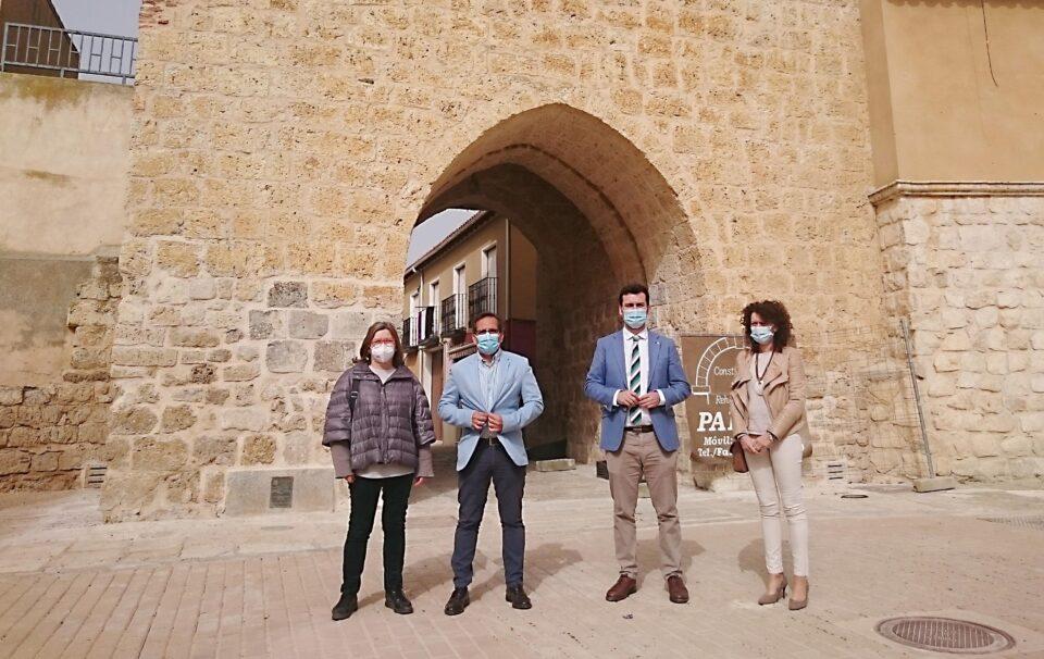 La Junta restaura el arco de Ajújar de Medina de Rioseco