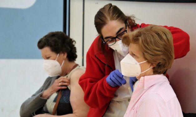 Cerca de 750 personas reciben la dosis única de la vacuna de Janssen en Rioseco