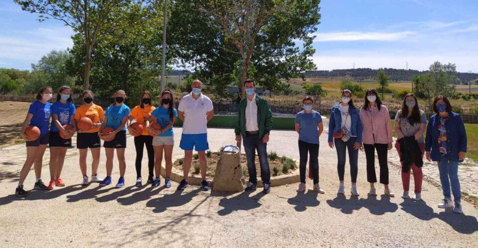 Rioseco celebra el Día Mundial del Medio Ambiente sumándose a la campaña 'Un árbol por Europa' con la plantación de un cercis