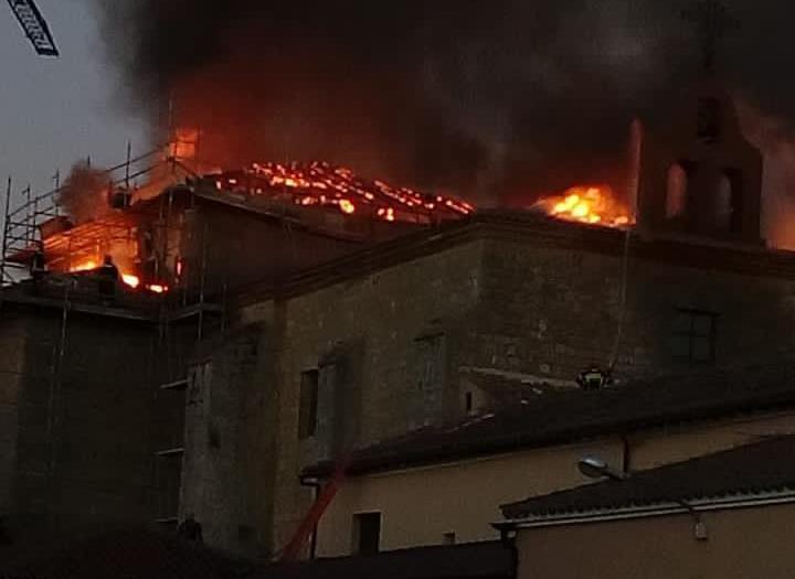 Arde el Monasterio de Nuestra Señora de la Alconada en Ampudia