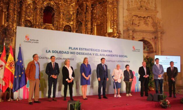 Mañueco anuncia en Rioseco un plan de 100 millones de euros para combatir la soledad no deseada