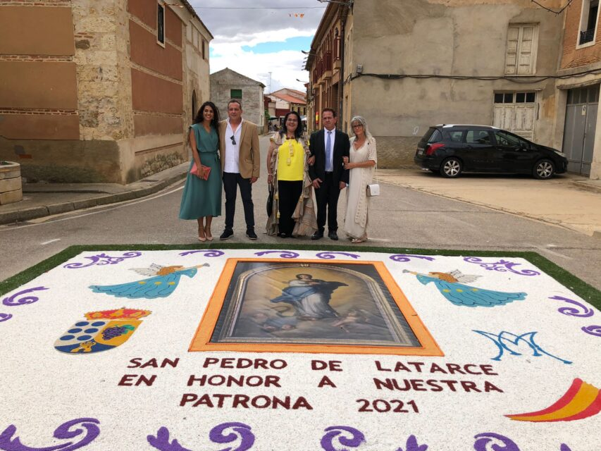 San Pedro de Latarce presume de alfombra en honor a su patrona, la Virgen de la Purísima Concepción