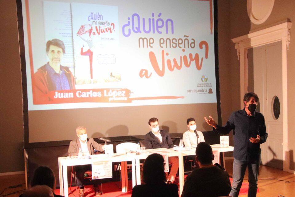 Juan Carlos López presenta su libro '¿Quién me enseña a vivir?